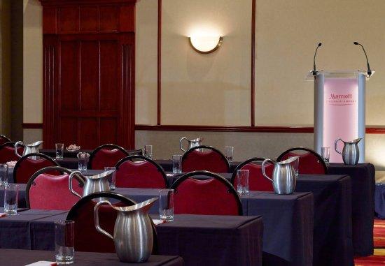Hebron, KY: Ballroom - Classroom Setup