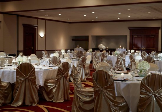 Hebron, KY: Ballroom - Wedding Setup