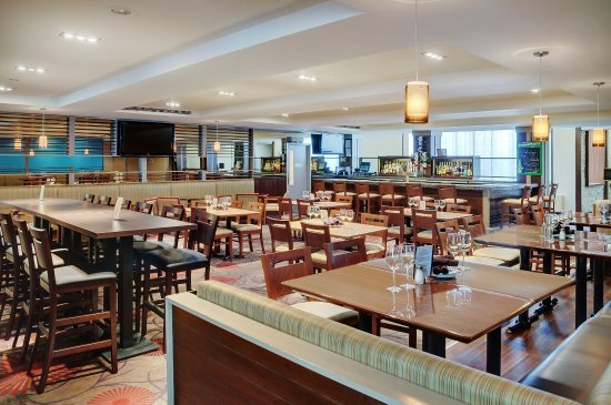 Holiday Inn Barrie Hotel & Conference Centre: Restaurant