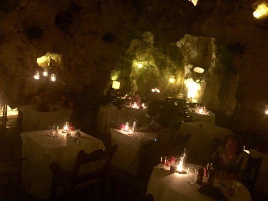 Ali Barbour's Cave Restaurant: photo1.jpg