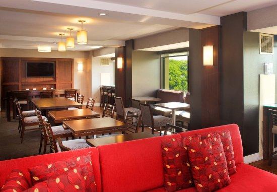 Coraopolis, PA: Concierge Lounge