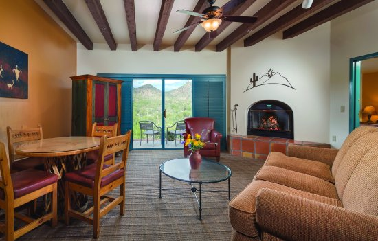 Starr Pass Golf Suites: One Bedroom Living Area