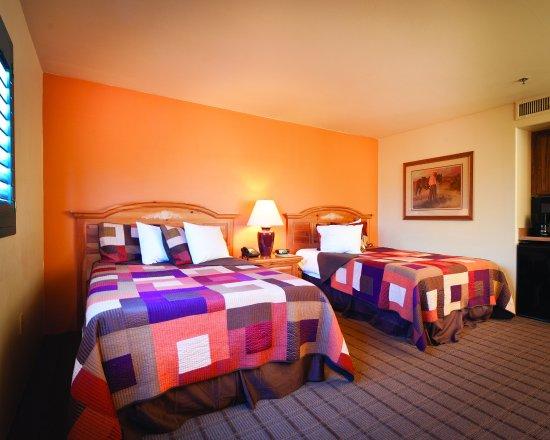 Starr Pass Golf Suites: Standard Bedroom
