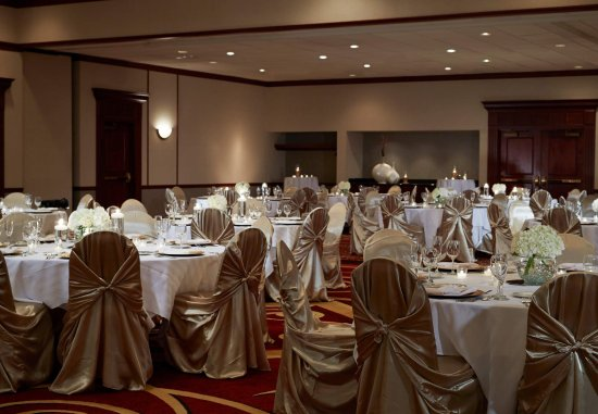 Cranberry Township, PA: Ballroom - Social Event Setup