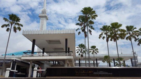 Photo of Tourist Attraction National Mosque (Masjid Negara) at Jalan Perdana, Kuala Lumpur 50480, Malaysia