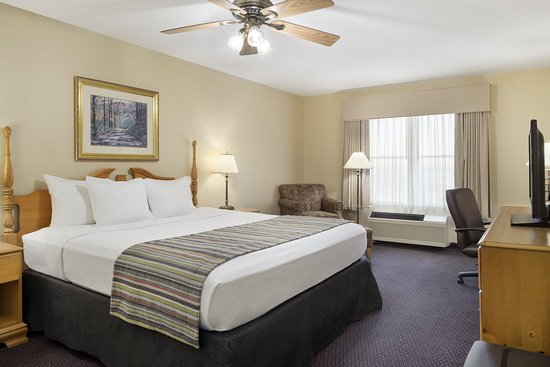 Country Inn & Suites By Carlson, Galena IL: Guest Room