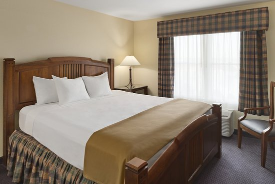 Country Inn & Suites By Carlson, Galena IL: Suite