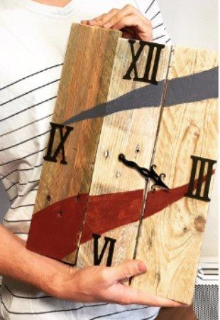 horloge en bois de palette diy photo de la fabrique by didoux orl ans tripadvisor. Black Bedroom Furniture Sets. Home Design Ideas