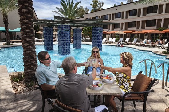 The Scottsdale Resort at McCormick Ranch: The Scottsdale_Pool_Twisted Vine Pool Bar & Grill