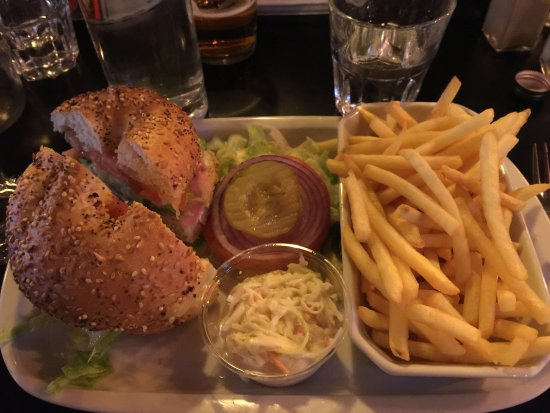 Saint-Mande, France: hamburger