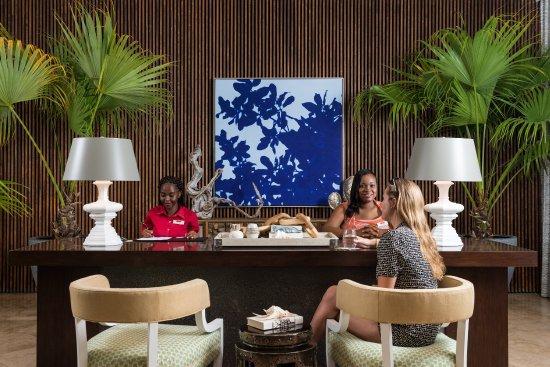 Grace Bay Club: Lobby