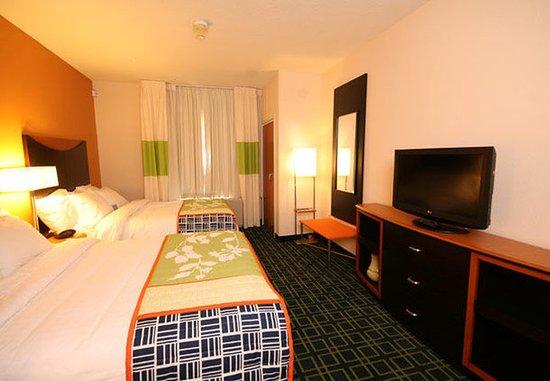 White River Junction, VT: Queen/Queen Suite - Sleeping Area