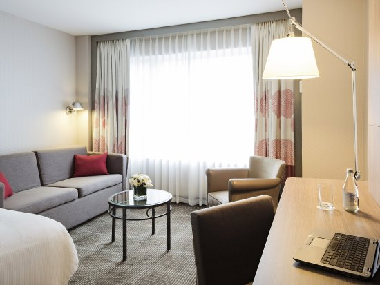 Novotel Montreal Center : Guest Room
