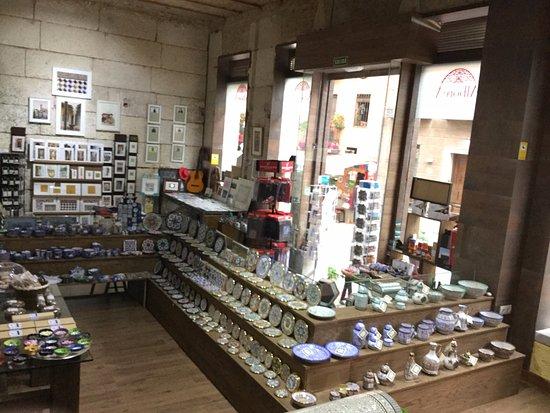 Tienda Souvenirs La Alborea