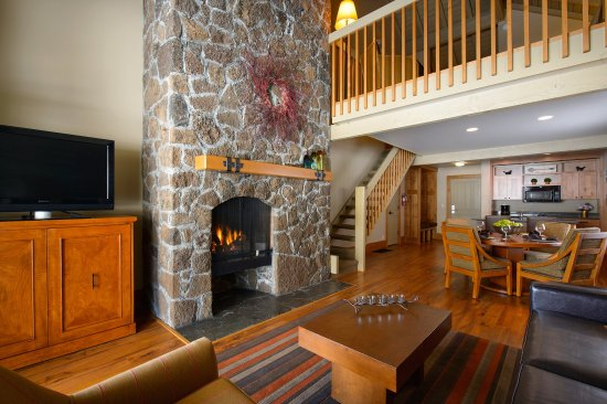 Sunriver Resort_Accommodations_Suite