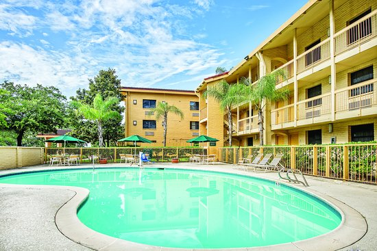 The Woodlands, TX: PoolView
