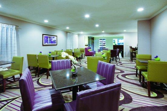 La Quinta Inn & Suites Harrisburg Airport Hershey