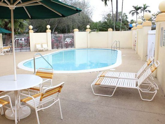 Cutler Ridge, FL: PoolView