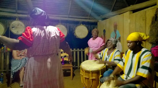 Warasa Garifuna Drum School: Drumming and dance performance
