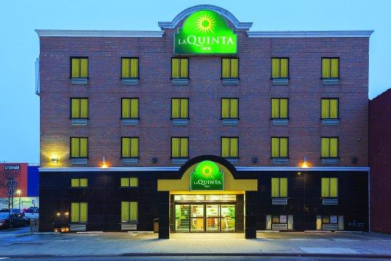 La Quinta Inn Queens New York City: ExteriorView