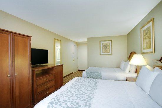 La Quinta Inn Queens New York City: Guest Room