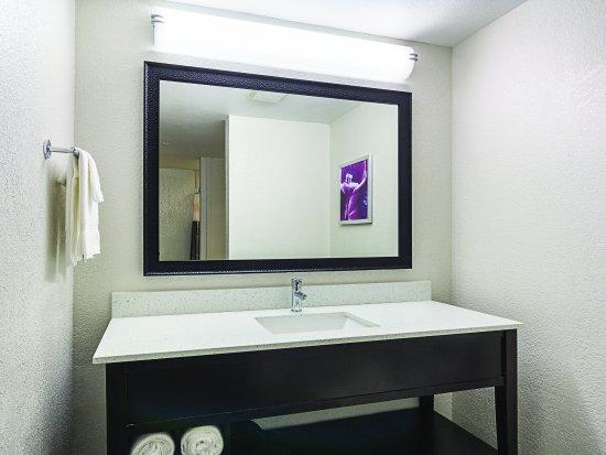 La Quinta Inn & Suites  San Antonio Downtown: GuestRoomAmenity