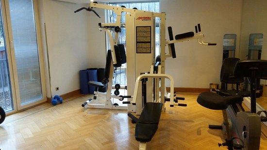 fitnessbereich bild von derag livinghotel prinzessin elisabeth m nchen tripadvisor. Black Bedroom Furniture Sets. Home Design Ideas