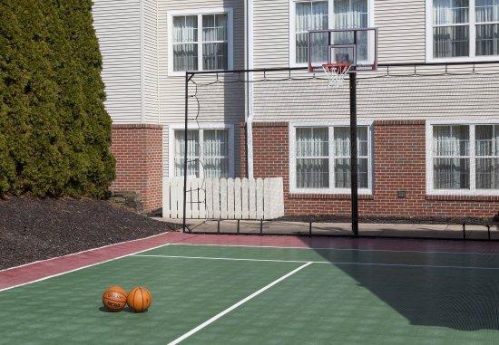 State College, Pensilvania: Sport Court