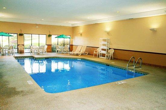 Cedar Rapids, IA: Swimming Pool