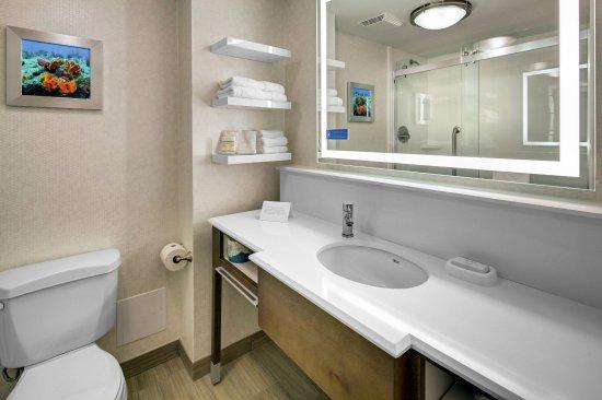 Pembroke Pines, Флорида: Guest Bathroom