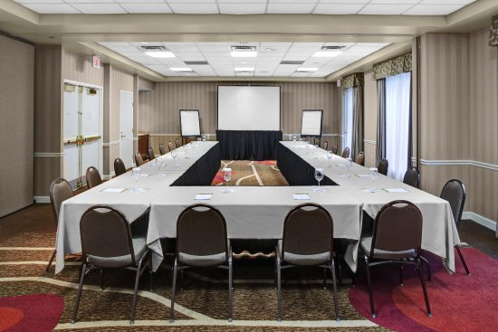 Alpharetta, GA: Meeting Room - U-Shape Seating