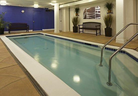Residence Inn Beverly Hills: Whirlpool