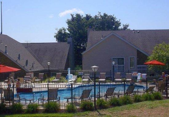 Shelton, Κονέκτικατ: Outdoor Pool