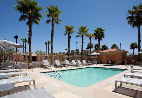 SpringHill Suites Los Angeles LAX/Manhattan Beach: Outdoor Pool
