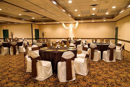 Chanhassen, MN: Wedding Banquet Decoration