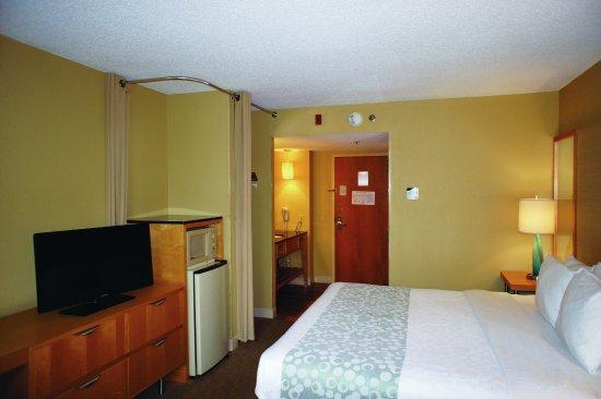 La Quinta Inn & Suites Sarasota Downtown: Guestroom EK