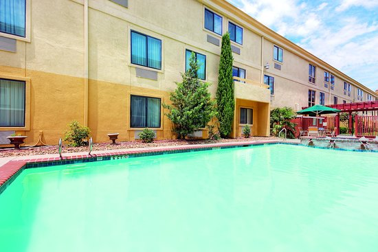 Comfort Inn North Dallas Near The Galleria: Pool