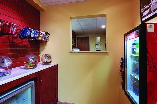 La Quinta Inn Radford: PropertyAmenity