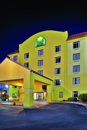 La Quinta Inn North Myrtle Beach: ExteriorView