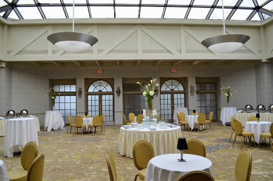 Woodcliff Lake, NJ: Solarium