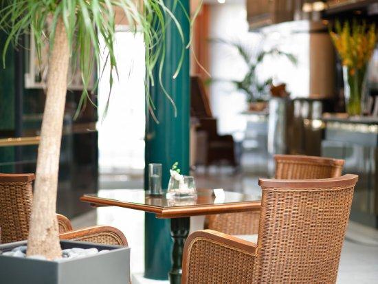 Das Carls Hotel : Winter garden_TOP carathotel Dusseldorf Carlsplatz