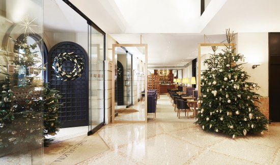 COMO The Halkin: Halkin Christmas Lobby