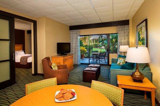 DoubleTree Suites by Hilton Orlando - Disney Springs Area: Patio Parlor