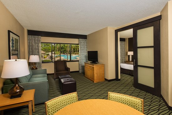 DoubleTree Suites by Hilton Orlando - Disney Springs Area: Pool View Parlor