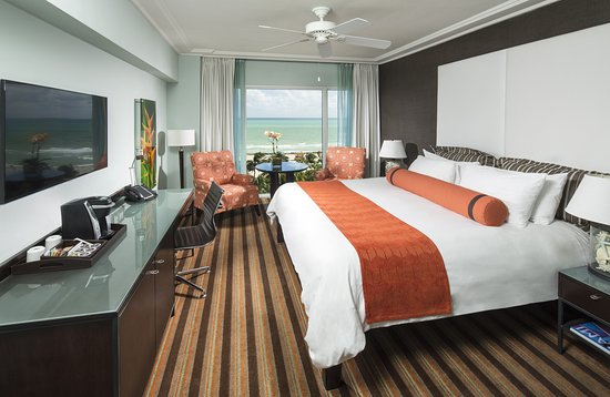 The Palms Hotel & Spa: Oceanfront King