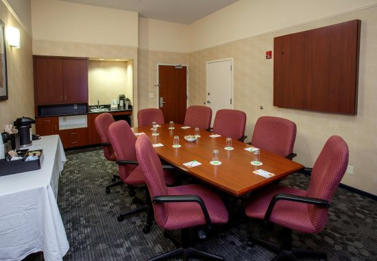 Courtyard Boston Raynham: Meeting Room C