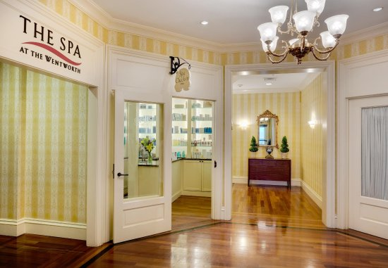 New Castle, NH: Spa Check-In