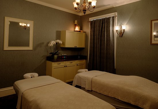 New Castle, NH: Spa - Couple Massage