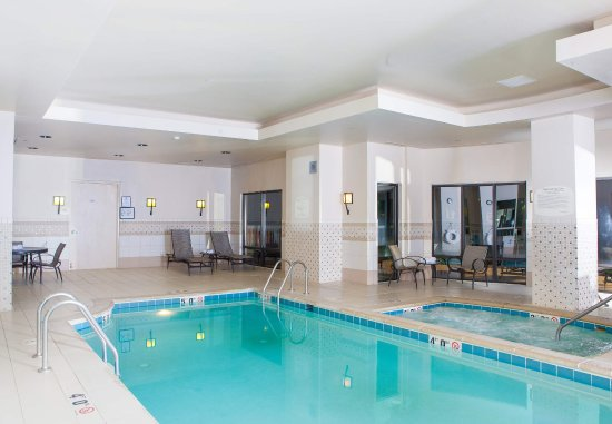 SpringHill Suites Norfolk Virginia Beach: Indoor Pool
