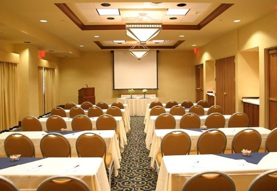 SpringHill Suites Norfolk Virginia Beach: Classroom-Style Meeting